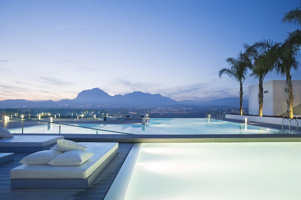Top 4 Spanish Wellness Retreats